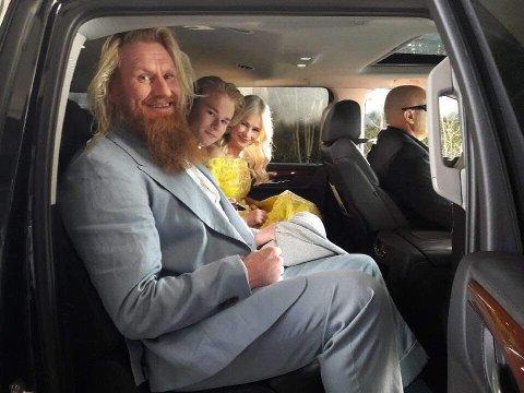 Familien Temte like før de skal gå opp den røde løperen i Hollywood. (foto: privat)