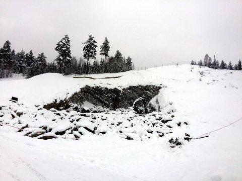 Klosbøle, Bagnskleiva: Slik så det ut etter etter ulykka ved påhugget for tunnelen i februar 2016.