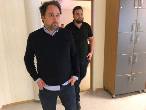 Intenst møte: Etter tre timer kom direktør for brukermarkedet i Schibsted Bård Skaar Viken og hovedtillitsvalg Kim Daniel Vorpvik ut for å møte pressen.