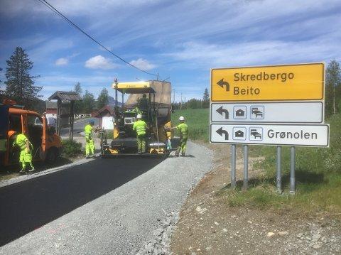 Turvegen: Fagernes Anlegg har fått oppdraget med   å legge asfalt på turvegen mellom Myhre gård og Beitostølen helsesportsenterer.