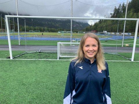Silje Kristin Bakkene legger ned mange timer i uka for å få Valdres FK på rett kjøl. Hun setter seg mange mål. Små og store.