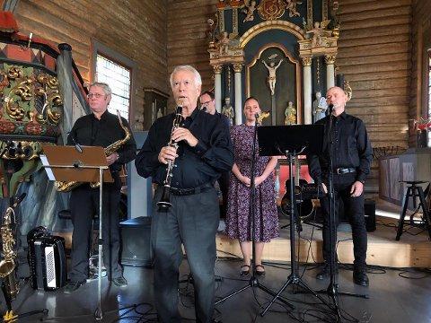 VELLYKKET: Ei nesten fullsatt Aurdal kirke fikk oppleve en variert og fin konsert.