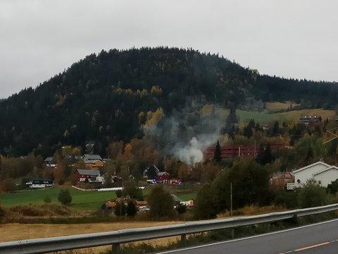Heggenes: Røyken var tjukk og trakk oppover mot Øystre Slidre sjukeheim.