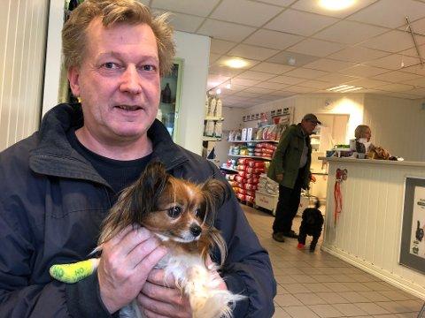 Sverre Ruste var nervøs da han tok med sin kjære Fiffi inn til veterinærkontoret, for å se på en kreftsvulst.
