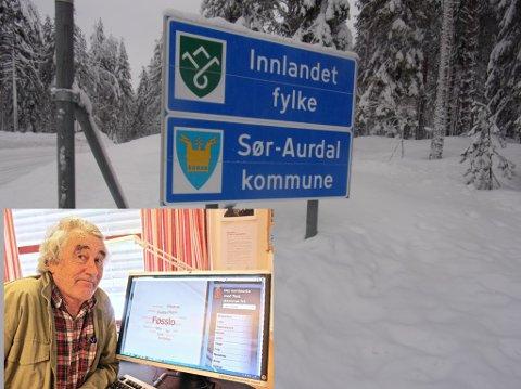 """Valdres: Hedalen: Det nye fylkesvåpenet til Innlandet fylke er på plass ved fylkesveg 243 i Hedalen. Motivet i fylkesvåpenet synes Ivar Aars veldig lite om – i likhet med navnet """"Innlandet"""". – Jeg er valdris, så får fylket drive med sitt, sier Aars."""
