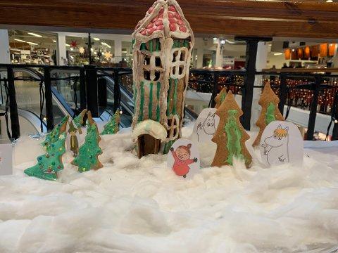 Pepperkake: - Barna hadde laget et flott Mummihus, for avdelingen heter Snusmumrikken, forteller Bente Anti.