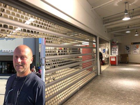 DRIFTES SOM NORMALT: Posten vil driftes som normalt mens Spar avvikler og Coop tar over lokalene, forteller driftsleder Bård Slette.