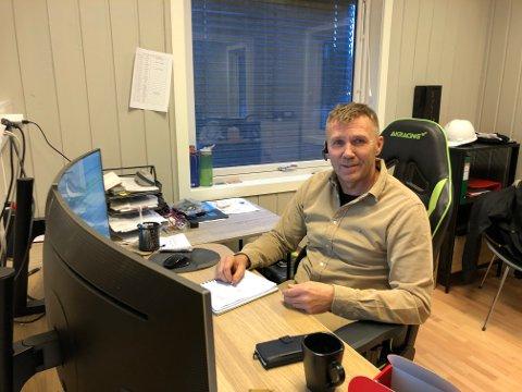 Hektisk onsdag: William Holden i rekrutteringsfirmaet Arbeidskraft Valdres anslår at de har 50-60 arbeidere fra Polen akkurat nå.