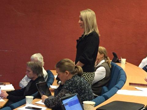 Til forsvar: Mari Rabben Lundby (Ap) meinte at dei ikkje skulle kutte i skulesektoren.