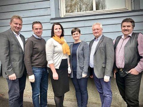 Samtlige seks ordførere i Valdres har sendt brev til Justiskomiteen. Bildet ble tatt før kravet kom en meters avstand.
