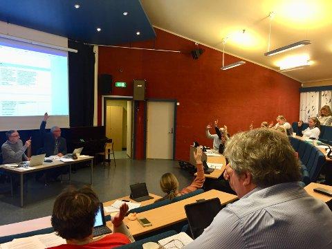 Vedtak: Kommunestyret i Øystre Slidre var samla i auditoriet til Øystre Slidre ungdomsskule i sist møte. No har dei samla seg om ei 10 på toppliste.