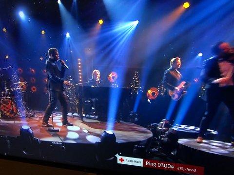 """Staut: Valdresbandet spilte lørdag kveld i TV2-programmet """"Senkveld"""" til inntekt for Røde Kors."""
