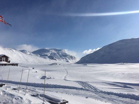 Det er strøkne tilhøve i høgfjellet, og Fondsbu gå no glipp av opp mot fem millionar i omsetningen resten av vintersesongen.
