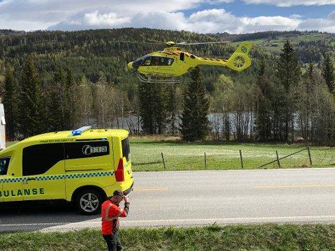 Kvinnen ble flydd til Ullevål sykehus. Skadeomfanget er ukjent. Foto: Stein Åge Johansen