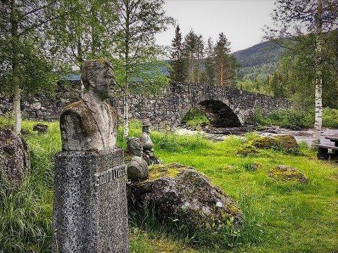 Statue: Området rundt Lunde bru er ett av 22 friluftsområder som skal ut på høring i Etnedal.