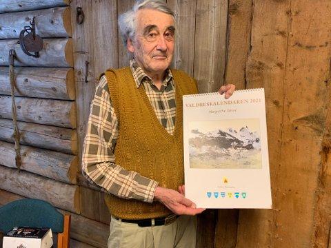 NY: Ivar Aars er klar med ny kalender fra Valdres Historielag.