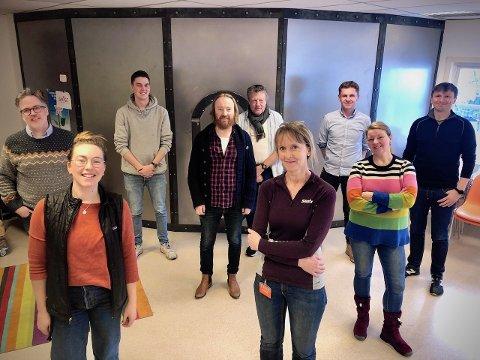 Festivalnettverket i Valdres: Bak f.v. Knut Aastad Bråten (Jørn Hilme-stemnet), Oddmund Rabben (Vinjerock), Trond Rogne (Trollrock), Erik Østli (Beitosprinten), Håvard Halvorsen (Rakfiskfestivalen) og Patric Noonan (Hemsingfestivalen). Foran: Sigrid Skjerdal (Vinjerock) Mona Kleven (Valdres Sommersymfoni) og Siri Wigdel (Frikar/LEUG). I tillegg er Ridderrennet med i nettverket.