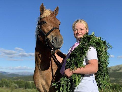 Tuva Moen Lien får idrettsprisen i Sør-Aurdal for sine imponerende meritter.