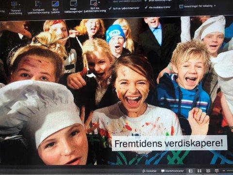 """Tross tøff statistikk for fremtidens elevtall i Innlandet og Valdres, er det også mange potensielle løsninger for å øke tilflytting og arbeidsplasser i vår region. Valdresrådet fikk innblikk i utfordringer og løsninger innenfor temaet """"kompetanse"""". (Foto: Skjermdump fra Ungt Enreprenørskap sin presentasjon)"""