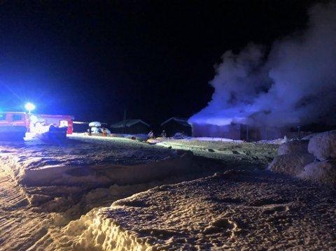 Det brenner i en enebolig i Aurdal nå i kveld. Foto:Innsendt