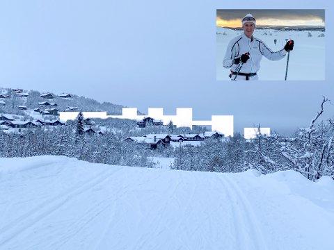 Vil ruve: Roger Ravlo-Losvik har selv tegnet hytta som ekteparet har fått bygget. Nå har han tegnet inn slik han mener de nye byggene til Norske Fjellhytter vil være i terrenget rett sør for Markahøvda. Åshild Reien i Norske Fjellhytter har fått oversendt bildet og mener at det ikke er riktig framstilt.