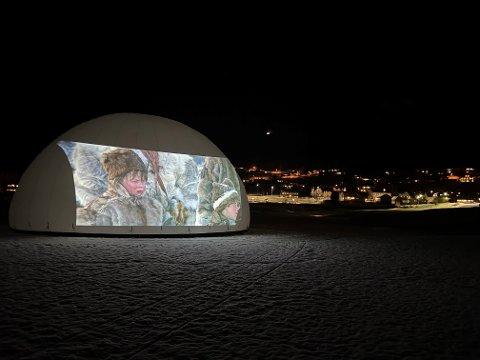 Det er klart for visning av film ute på Strandefjorden til lørdag.