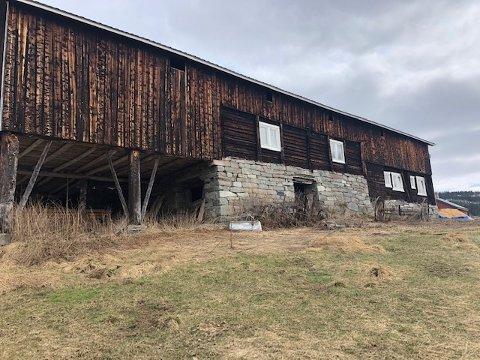400 000: Eker gård får 400 000 kroner av Kulturminnefondet for å sette i stand låven på Eker gård.