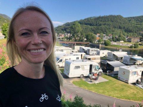 TROFASTE KUNDER: Kaja Funder Idstad gleder seg til en ny sommer, og at gjester velger å komme tilbake til Fagernes.