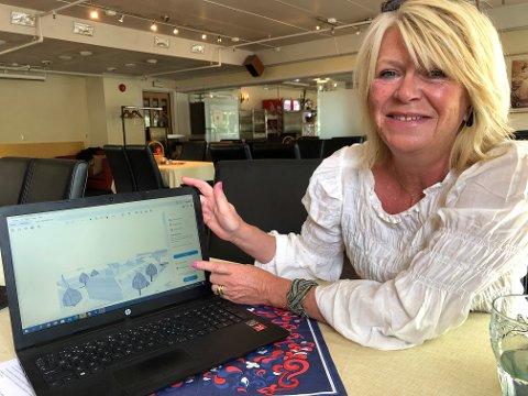 PLANSKISSE: Anne Berit Leithe-Husager viser fram ei av skissene med forslag til utforming av leilighetsbygget Fagerlund byhus. Dette er kun ei arbeidsskisse, ingen arkitekt-tegna plantegning, understreker hun.