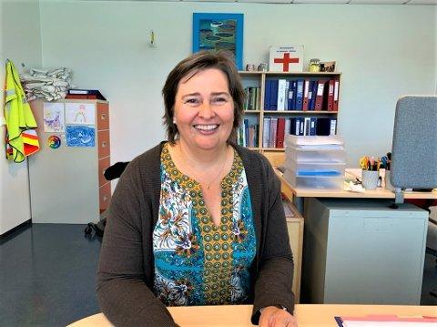 REKTOR: Rektor ved Rogne skule gleder seg til å ta imot elever på mandag.