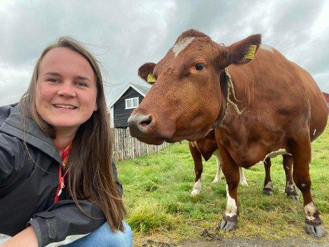 POSITIV: Marit Knutsdatter Strand, her på stølen i Øystre Slidre, karakteriserer innspillet fra reiselivsbedriftene som veldig interessant.