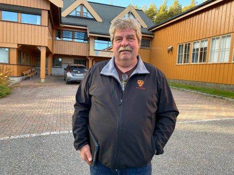 Klar tale: Varaordførar Arnfinn Beito har sjølv to stølar i området Liahaugstølen og 40 dyr på beite om sumaren. Han er dermed inhabil i den politiske behandlinga, men er klar på kva han meiner i saka.
