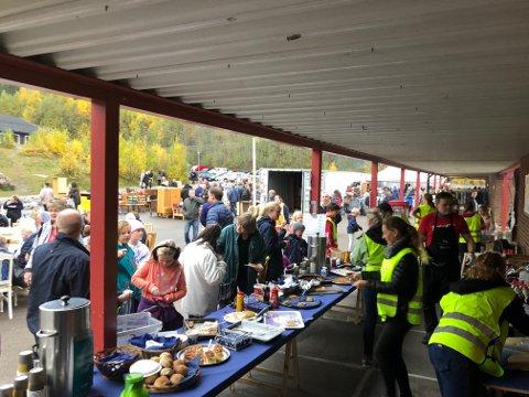 Det var folksomt på loppemarkedet til Søndre Nittedal skolekorps i helga.
