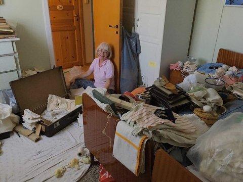 BEGYNNELSEN: Det kan se kaotisk ut, men Marit hadde planene klare for hvordan hele ryddeprosessen skulle organiseres.