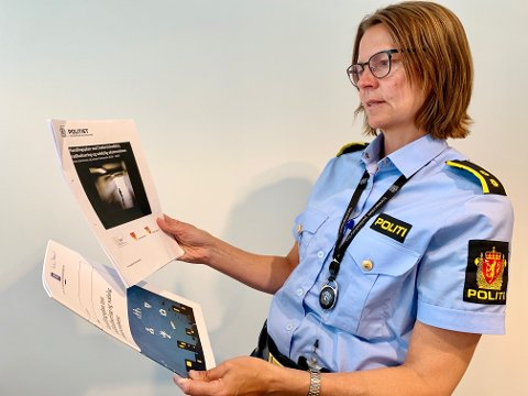 SI FRA: Politioverbetjent Heidi Staxrud oppfordrer alle til være bevisst på tegn til bekymring om ekstremisme eller radikalisering, og til å varsle politiet.