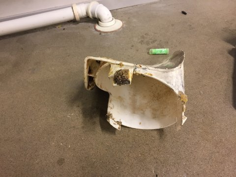 PROPPISYSTEMET:Den mystiske plastdelen som gjorde at avløpsvannet på Kjul ikke fulgte tyngdekrafta den 11. desember i fjor.
