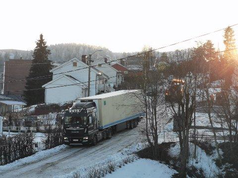 VIL UNNGÅ DETTE: Sist vinter slet trailerne på vinterføre i rasområdet på Li.