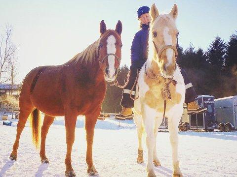 RAKETTSMELL STRESSER DYRENE: – Selv har jeg ikke opplevd noen uhell, men jeg har opplevd mange redde hester, sier Trine Bøhnsdalen.