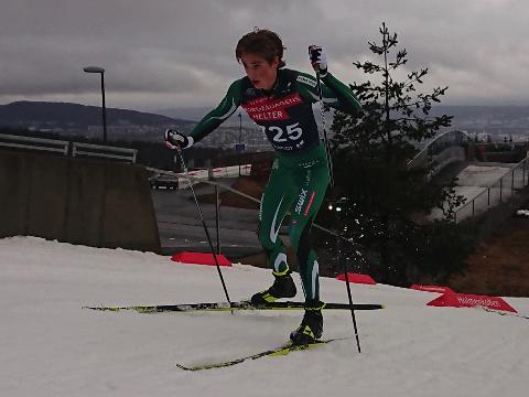 SATSES PÅ: Lars Agnar Hjelmeset har tatt steget inn på juniorlandslaget både i langrenn og friidrett.