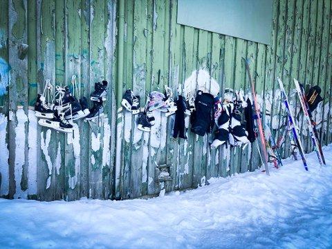 KOM FOLK TIL UNNSETNING: Da sportsbutikkene meldte at de var utsolgt for vinterutstyr, fikk denne butikken en idé.