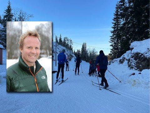 MYE AKTIVITET: Mange har tatt skiløypene i Marka i bruk gjennom vinteren, som her på Mylla 1. juledag. 2020. Leder i Skiforeningens lokalutvalg i Nittedal, Geir Skari, sier mange har benyttet seg av tilbudet også i hverdager.