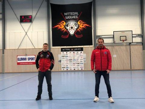 ETTERLENGTET: Enn så lenge kan Lars Friestad og Jørgen Klem i Nittedal Wolves bare tilby innebandytilskuerne ståplasser i Rotneshallen, men forhåpentligvis kan byggearbeidene i hallen komme i gang til høstferien.
