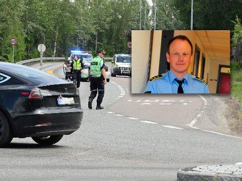 KRITISK: En mannlig syklist i 30-årene ligger ifølge etterforskningsleder Bjørn Bratteng fortsatt kritisk skadet på Ullevål etter kollisjonen med en bil i krysset Brennaveien/Nittedalsveien. Personene i den sorte bilen var ikke involvert, men kun vitner til ulykken.