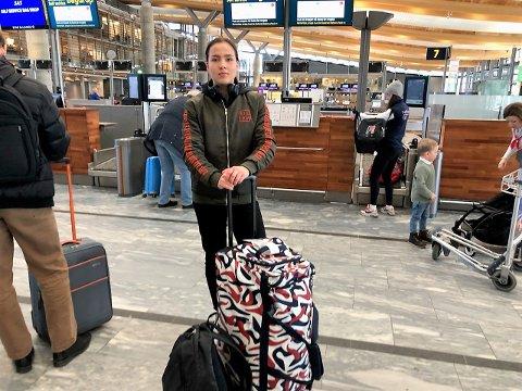 Klar for nordisk: I helgen bokser Madeleine Angelsen fra Vestby nordisk mesterskap i Tammerfors.  Her er hun avbildet like før avreise fredag.