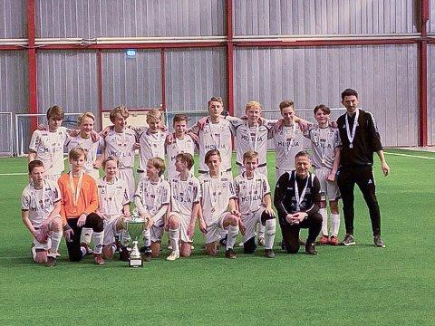 SEIRET I FINALEN: HSVs gutter 14-lag tok en solid seier over Rolvsøy i finalen i Obos Cup lørdag.