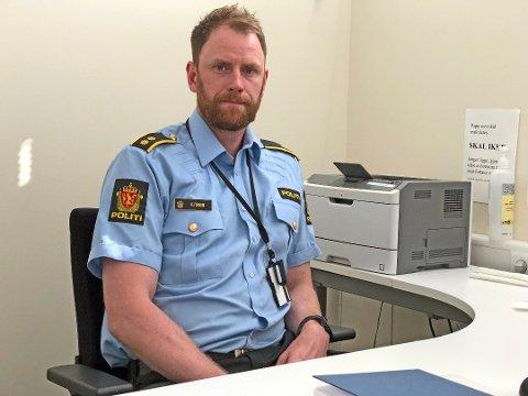 FARLIG: Politioverbetjent Rune Fossum er bekymret for cannabis-bruk blant unge, og minner om at det er farlig.