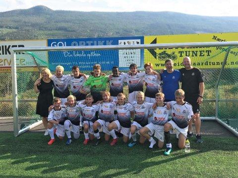 Klare for sluttspill. Søndag tok HSVs gutter 13-lag seg til sluttspillet i Adidas Cup etter å ha beseiret Sogndal hele 4-2 på Gol. Nå venter Bærum i semfinalen som går om en måneds tid.
