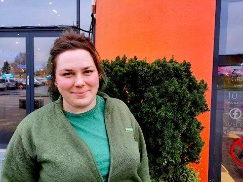 Butikkleder Martine Charlotte Heiaas Nitteberg på Mester Grønn er spent på om folk er handlesultne eller har endret vanene sine under nedstengningen.