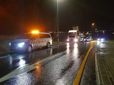 BLE STOPPET: Vogntoget ble etter hvert stoppet da Statens vegvesen innhentet det.