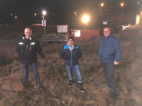 (F.v.) Håvard Sommernes (H), Son Slalomklubbs leder Lasse André Lööv-Olsen og Høyres gruppeleder Pål Engeseth ønsker å få på plass en ny skiheis i Son.